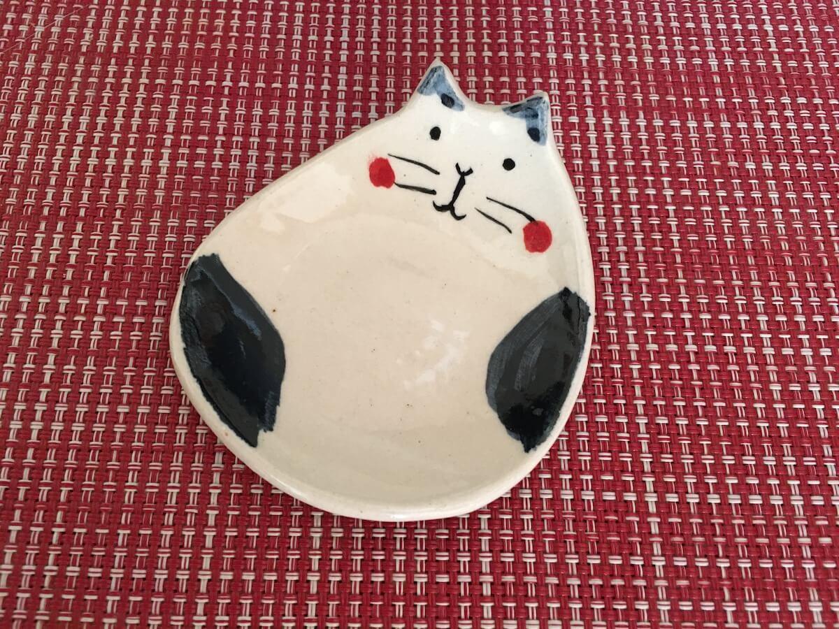 猫を飼うといつの間にか増えていく猫グッズ・食器編